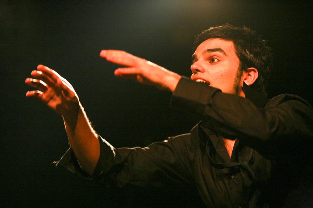 Davide Piludu Virdigris - vocal coach conduce l'Harmonic Circle